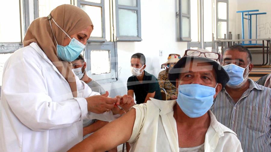 Vaccin anti-Covid-19: Une troisième dose pour les plus fragiles