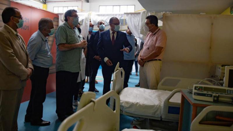 Visite inopinée de Mechichi à l'Hôpital de campagne d'El Menzah