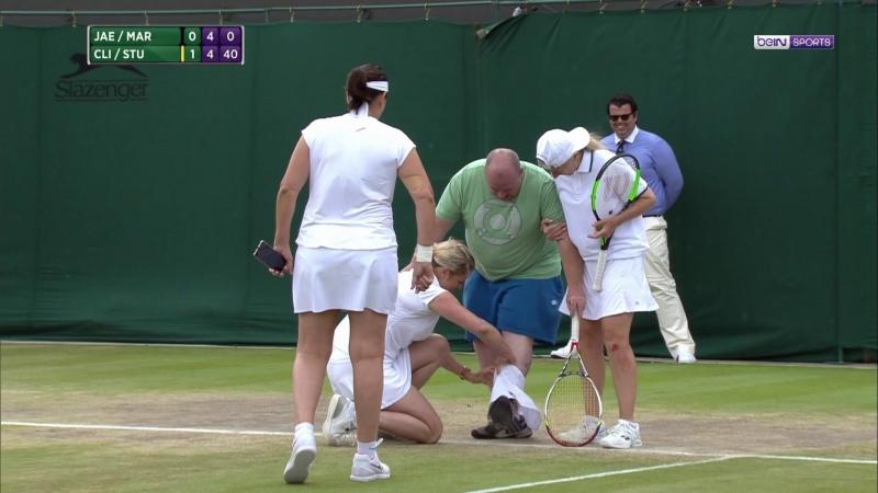 Wimbledon: Clijsters prête sa jupe à un spectateur sur le court