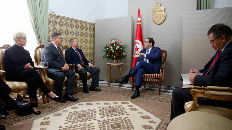 Youssef Chahed reçoit  une délégation du Congrès américain