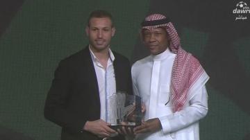 فاروق بن مصطفى أحسن حارس في الدوري السعودي