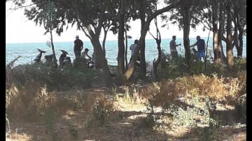 مواطنة تستغيث: شاطئ صلامبو تحول إلى حانة