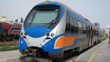 ركاب قطار سوسة تونس يحتجون على تردي الخدمات
