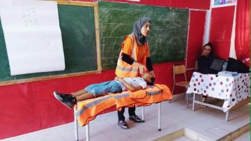 توقيا من الحوادث أمام المؤسسات التربوية: دروس توعوية لتلاميذ تطاوين