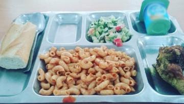 أكلة مدرسية تحيل 6 تلاميذ على المستشفى