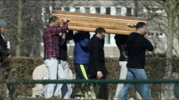 سبيبة: يفرّون بجثة متوفى بكورونا ويدفنونها دون بروتوكول