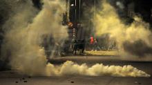 سيدي حسين: الأمن يستعمل الغاز المسيل للدموع لتفريق المحتجين