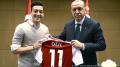 Après avoir posé avec Erdogan: Mesut Özil répond aux critiques