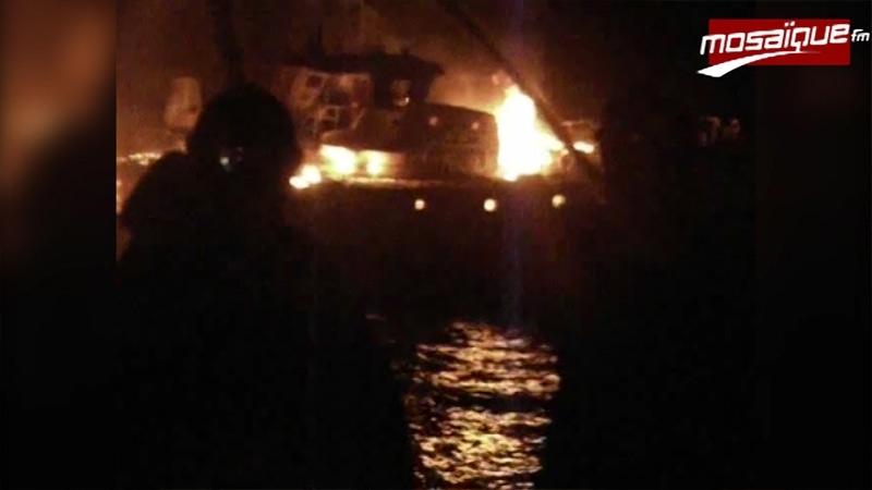 قليبية: جيش البحر ينقذ 11 بحارا بعد احتراق مركبهم