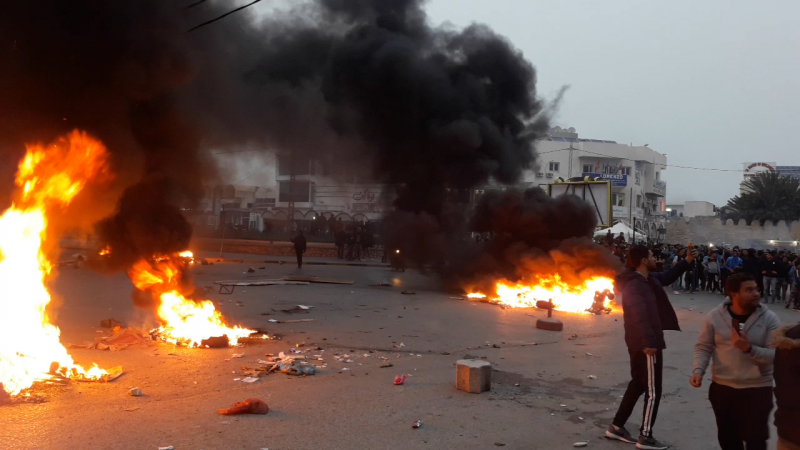 USM: les supporters protestent contre la rendement de l'arbitre et bloquent des routes
