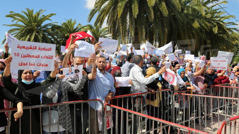 المعطلون عن العمل: يطالبون البرلمان بقانون لتشغيل من طالت بطالتهم