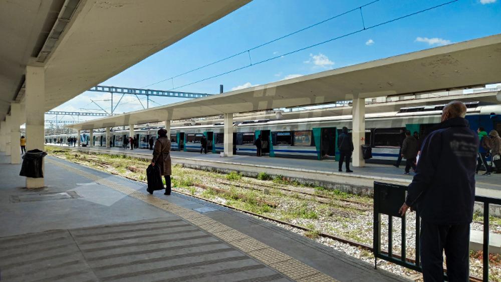 مواطنون يتذمّرون من التوقف الفجئي لحركة القطارات والنقابة تعتذر