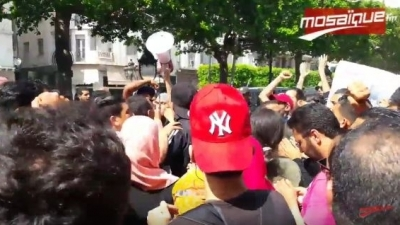 شارع الحبيب بورقيبة:وقفة تضامنية مع محتجي الكامور