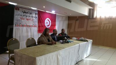 La famille du martyr Mohamed Zouari et son comité de défense organisent une conférence de presse