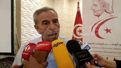 Des anciens diplomates commentent le conflit politique et font le point sur la souveraineté nationale