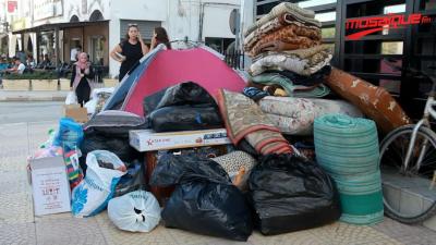 مواطنون يجمعون التبرعات للمتضررين من فيضانات نابل
