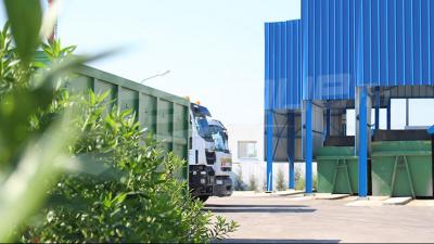 Inauguration de trois centres de collecte et d'acheminement des ordures au Kram, à la Goulette et au Bardo