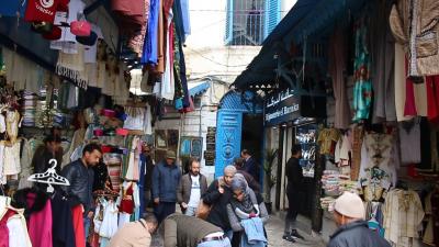 تجار الصناعات التقليدية:تاعبين مالكراء وقلة السياح وزاد علينا سلعة الشنوة