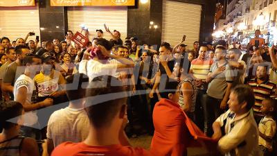 Tunis: une joie tuniso-algérienne après la qualification au dernier carré