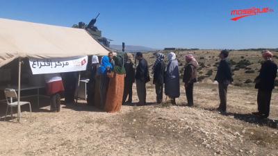 مواطنون يتحدّون الشّعاب ويصوّتون في عمق جبل تيوشة