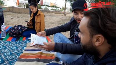 Kasserine: des jeunes transforment une décharge en espace de lecture