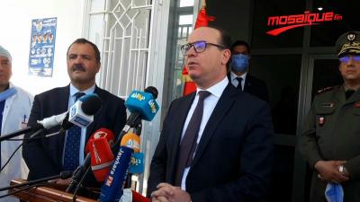 Elyes Fakhfekh se rend à l'hôpital universitaire Hédi Chaker à Sfax