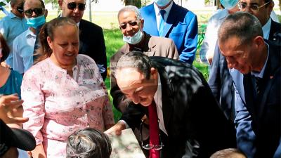 وزير الشؤون الاجتماعية يزور مركز رعاية الطفولة بمنوبة بمناسبة العيد