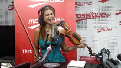 Yasmine Azaïez: Je suis la plus jeune violoniste tunisienne qui est montée sur la scène de Carthage