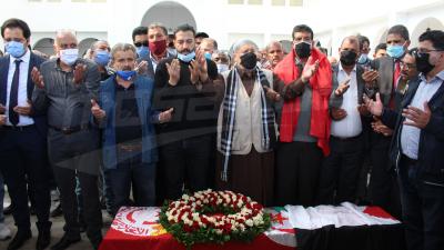 جثمان الفقيد المباركي يوارى الثرى
