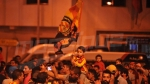 Les supporters espérantistes fêtent le sacre au Parc B