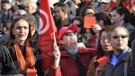 وقفة احتجاجية لحملة 'فاش نستناو؟' أمام مجلس نواب الشعب