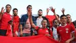 Le drapeau Tunisien envahit les places russes Gérer
