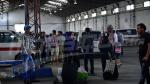 L'Afflux des voyageurs aux stations de transport terrestre