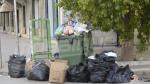 العاصمة: إدارات مغلقة.. تكدّس للفضلات في الشوارع