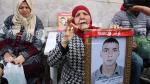 Les familles des martyrs et blessés de la révolution protestent à la Kasbah