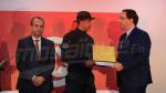 Chahed honore des sécuritaires ayant participé à l'opération antiterroriste à Béja