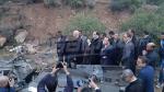 قيس سعيد ويوسف الشاهد يصلان مكان حادث إنقلاب الحافلة
