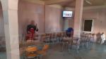مقاهي ومطاعم في كل أنحاء البلاد تستجيب للقرار الحكومي وتغلق أبوابها